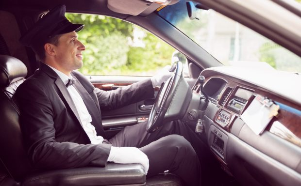 Les avantages de faire appel à un chauffeur privé pour le transfert vers l'aéroport