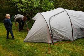 Conseils pour survivre à un voyage de camping en famille