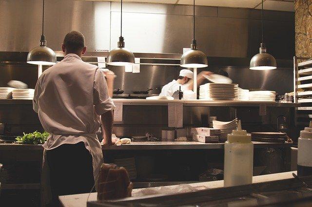 Comment améliorer l'efficacité dans une cuisine de restaurant